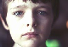 悲しい男の子