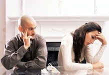 夫婦喧嘩、感情的になるのは男性?