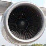 飛行機のジェットエンジン
