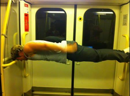 電車の変な人5号