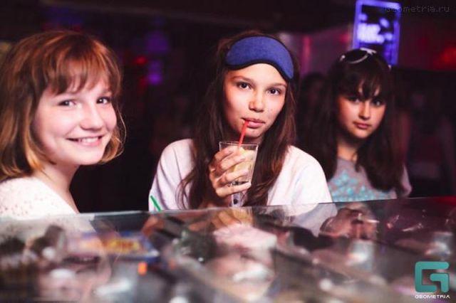 ロシアの子どもナイトクラブがひどい件18