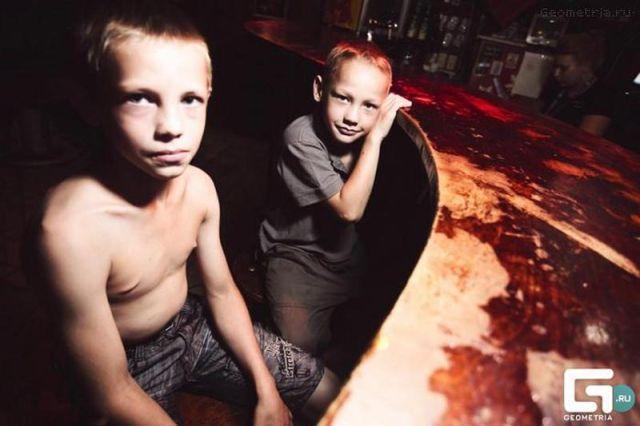 ロシアの子どもナイトクラブがひどい件25