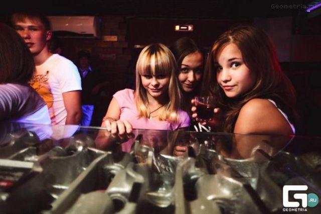 ロシアの子どもナイトクラブがひどい件28