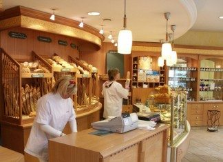 フランス人にとってのコンビニ、パン屋さん