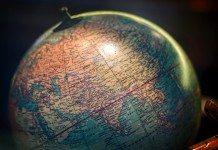 美しい地球儀