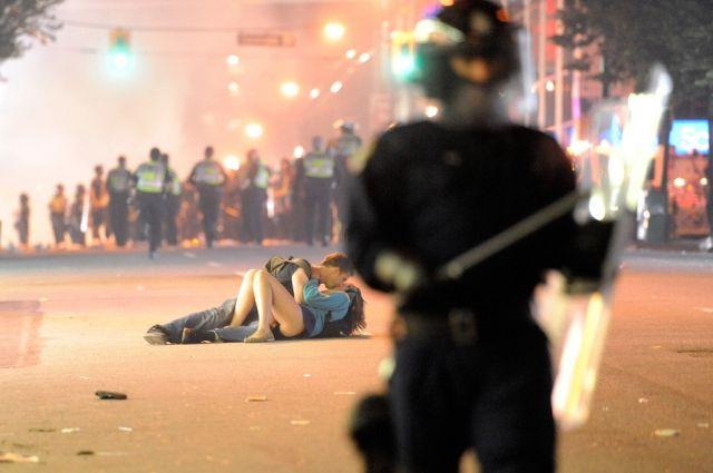 32枚のパワフルな写真でふり返る2011年の世界
