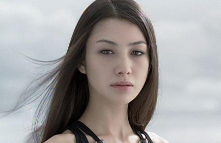 美男美女がいっぱい アメリカ人と日本人のハーフ・クウォーターの顔写真集