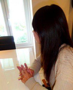 【海外で暮らす人インタビュー第1回】 「日本人としてきちんと働くことが新たなチャンスに繋がった」綾子さんのケース