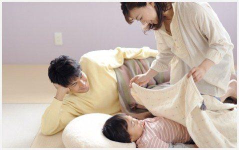 """「川の字」で寝る日本人の""""眠り""""は不思議すぎ!海外との違いとは?"""