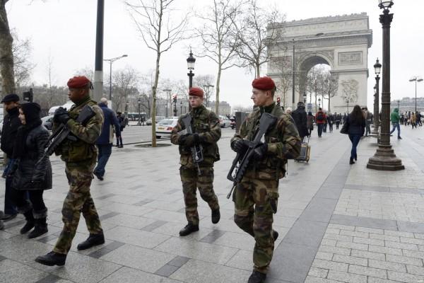 【フランステロ事件】厳重な警戒態勢が続くパリで思う日本の誇るべき点