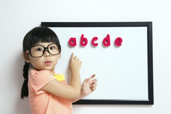 12人の語学エキスパートが答える!単語を効率よく覚えるコツ&方法