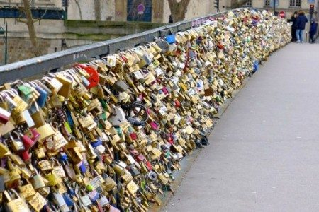 パリへ旅行するなら知っておくべき!地元の人に嫌われる観光客の行動12パターン