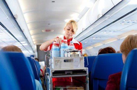 【海外旅行の裏技】知っている人だけが得をする!機内で頼めるサービス