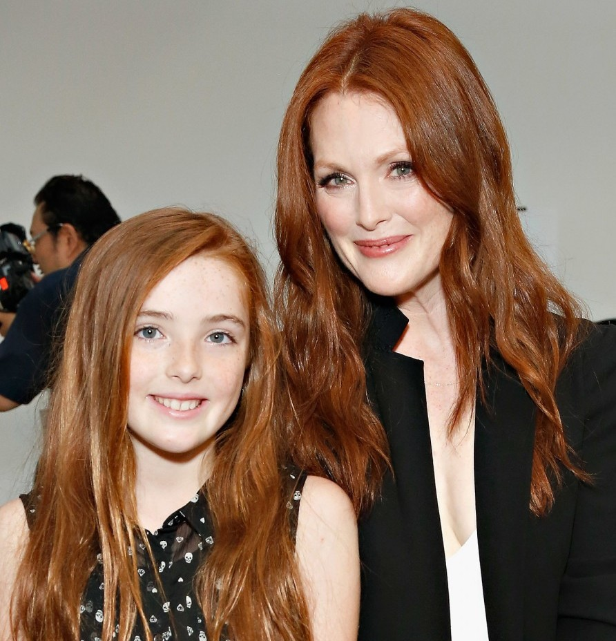 Liv and Julianne Moore