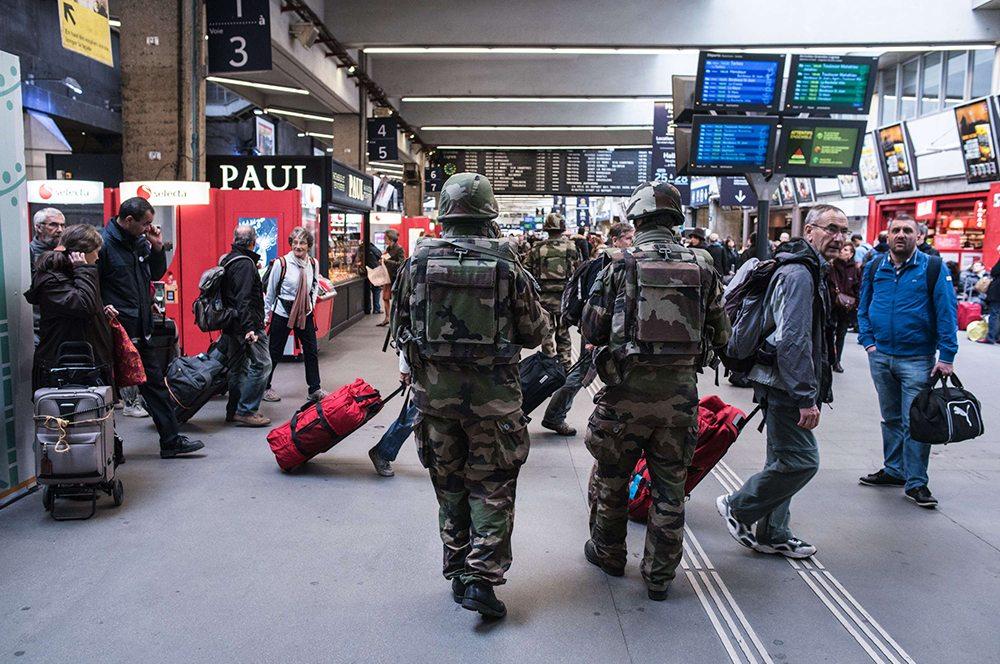 写真:モンパルナス駅にて(les echos)