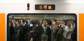 日本人夫をもつ外国人妻「日本人の働き方は異常」と思う6つのこと