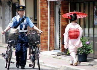 フランス人が日本を一言で表すと、「コントラストの強い国」らしい