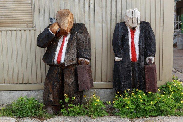 誤解されやすい日本のビジネスマナー、世界と違うところはどこ?