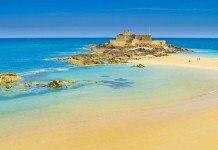 モンサンミッシェルより港町サンマロがフランス人には人気な理由