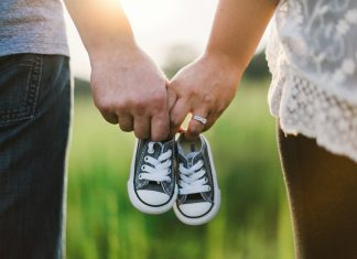 なぜ日本人は「里帰り出産」を選ぶのか?フランスから見た日本の出産事情