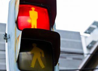 フランス人の疑問|なぜ日本人の歩行者は絶対に赤信号無視しないのか?