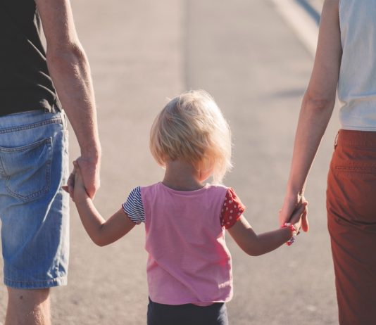 共働き先進国フランスの育児が実はうまくいっていない4つの理由